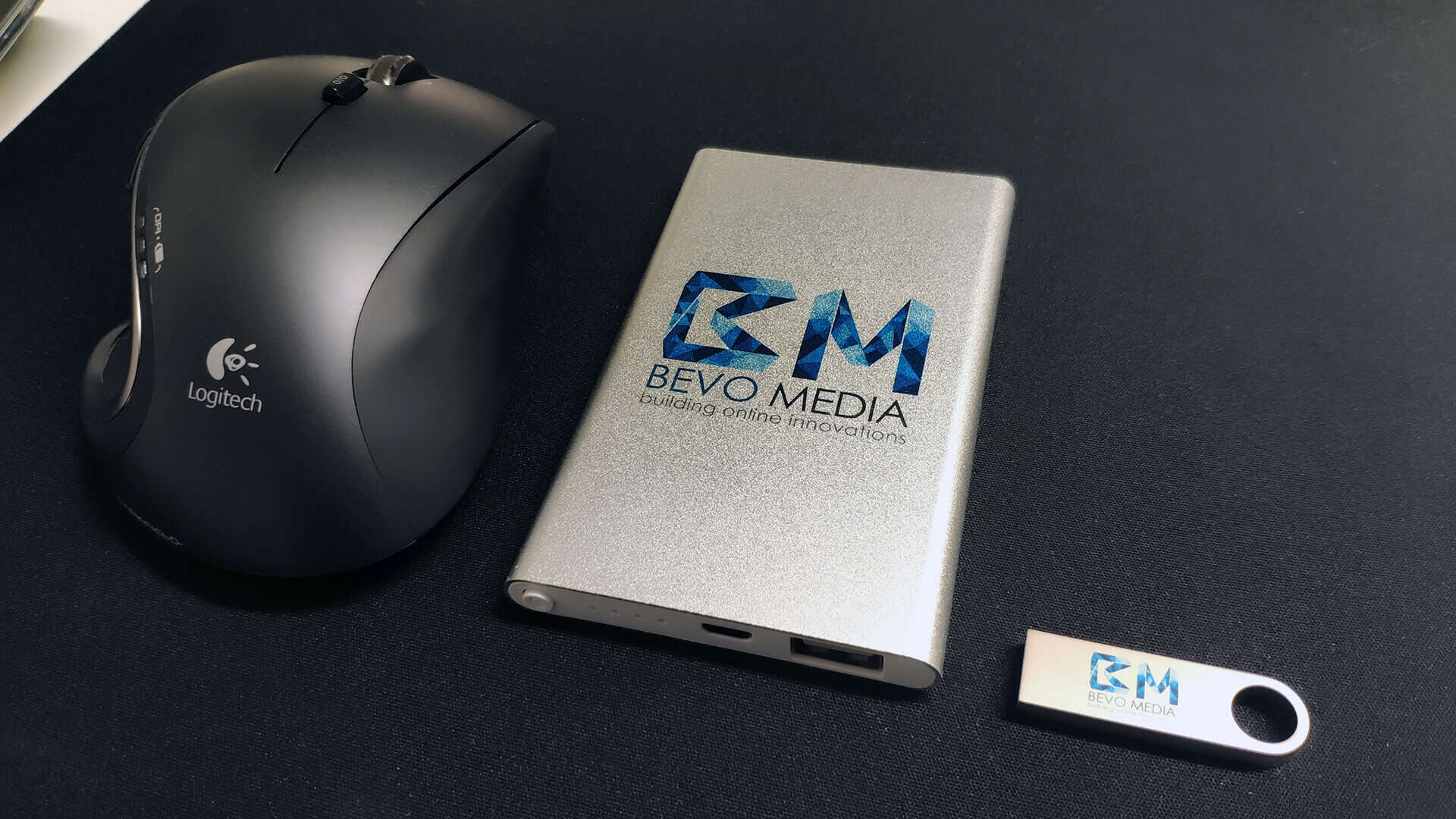 BEVO Media Powerbank und USB Stick